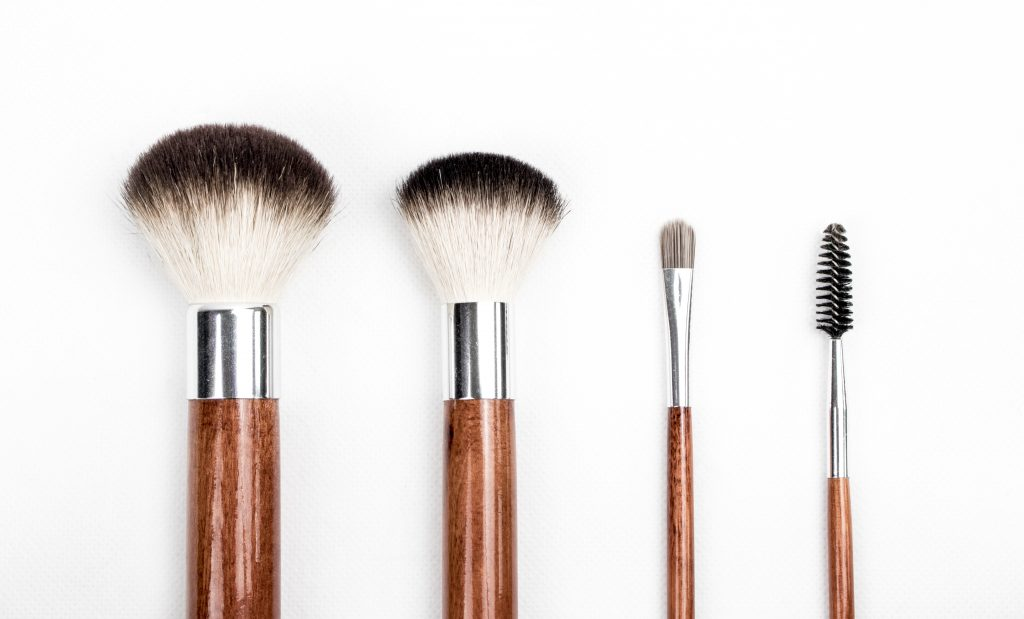3 Tips for a Makeup Clean Out